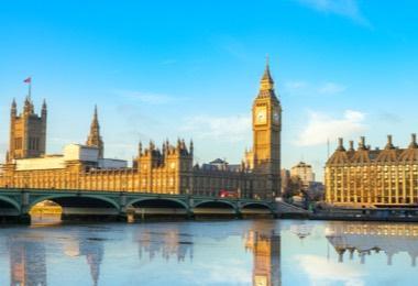رحلات طيران رخيصة إلى لندن